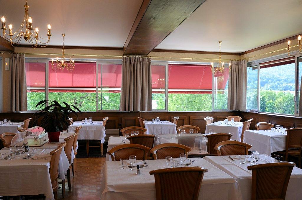 Restaurant avec vue sur le parc